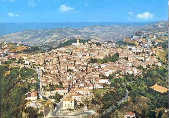 Atri, la città della liquirizia e il borgo-fortezza di Civitella del Tronto Giugno 2021