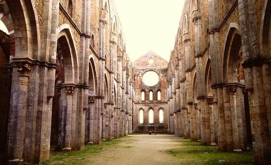 siena, bagno vignoni, montalcino e l'abbazia di san galgano